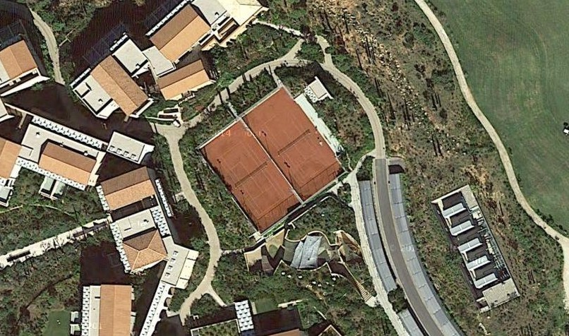 COSTA NAVARINO (tennis courts)