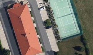 Sunset Motel – Tennis court