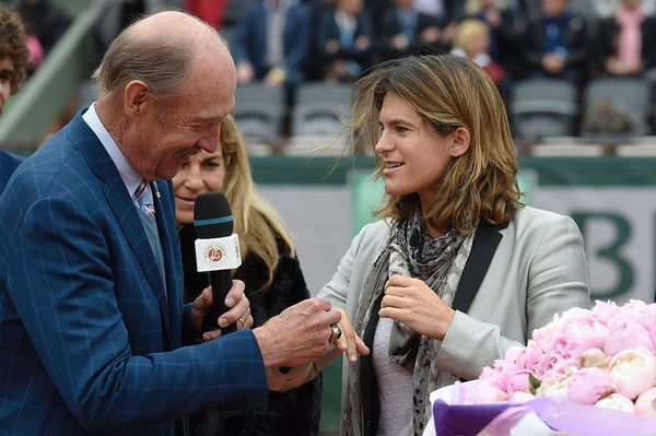 Mauresmo Receives Hall Of Fame Ring